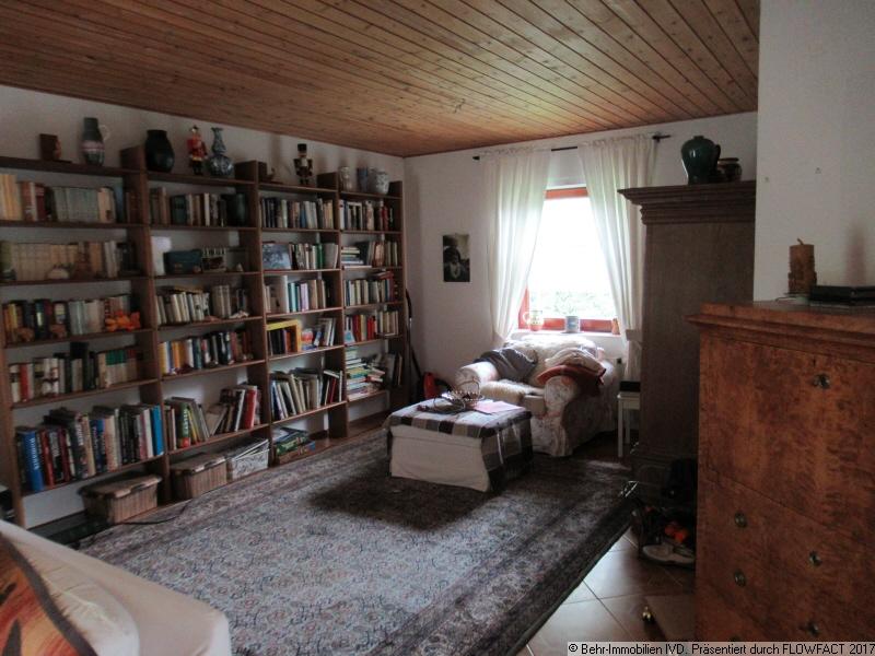 Bibliothek im Wohnzimmer